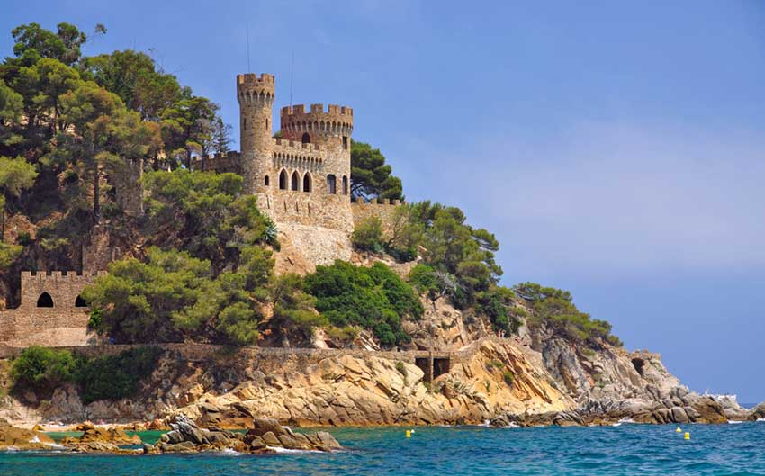 holidays-a-look-at-the-beautiful-coastline-of-costa-brava